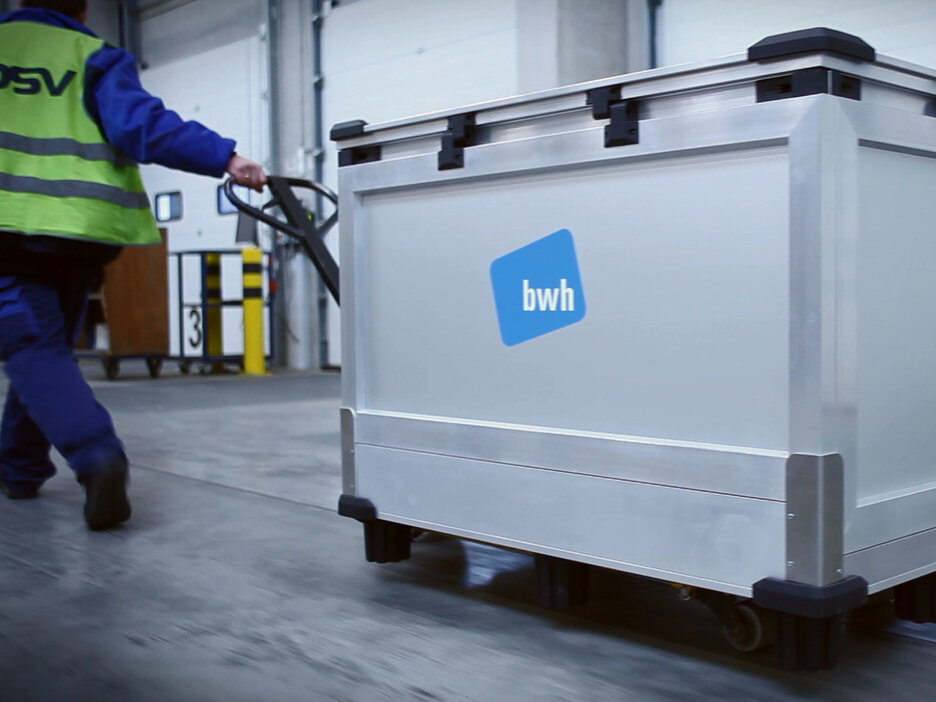 bwh Variosafe Box is transported